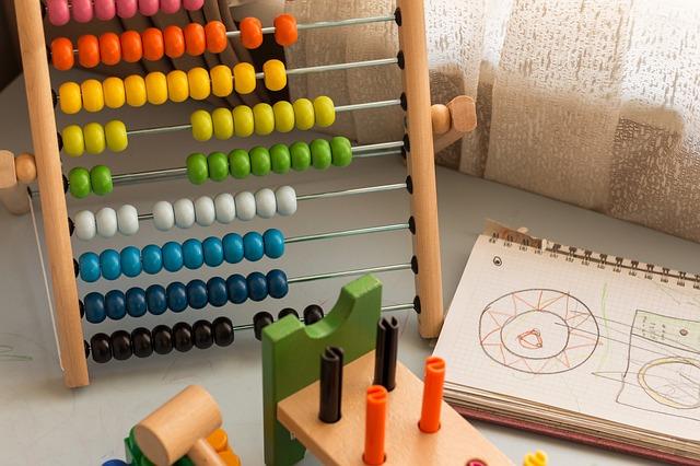 למה חשוב לתת לילדים לשחק בצעצועי התפתחות